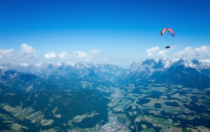23: Traumhafte Aufnahme von Werner am Weg Richtung Hochkönig - nicht nur wegen solcher Fotos zahlt es sich aus, gemeinsam zu fliegen!!! :-)