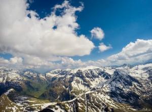 52: Blick auf die Alpensüdseite und Sportgastein links