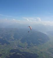 20b: mit Berni beim Aufdrehen über dem Breithorn (Foto: Bernhard Peßl)