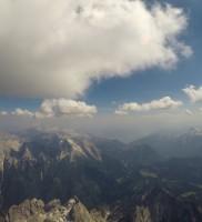 """16: Der Weg entlang des Steinernen Meeres retour war eine Wonne – perfekte Wolkenoptik und leichter W-Wind machten die Routenwahl zum Kinderspiel – """" A Aufglegt's!"""""""