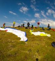 Mi_2: Startplatztreiben am Grente-Gipfelstartplatz – ob der unverhofft genialen Startbedingungen kam dann doch noch Hektik auf, denn…