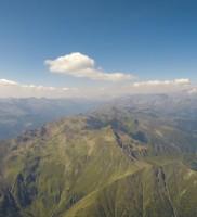 Mi_20: geniale Wolkenstraße beim Anflug auf's Defreggen-Tal – mit nochmals deutlich höherer und etwas trockenerer Basis als gestern