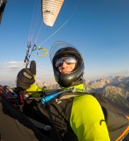 Mi_35: im Viertel-Gas entspannt gegen den O-Wind: Zeit für ein Selfie! ;-)