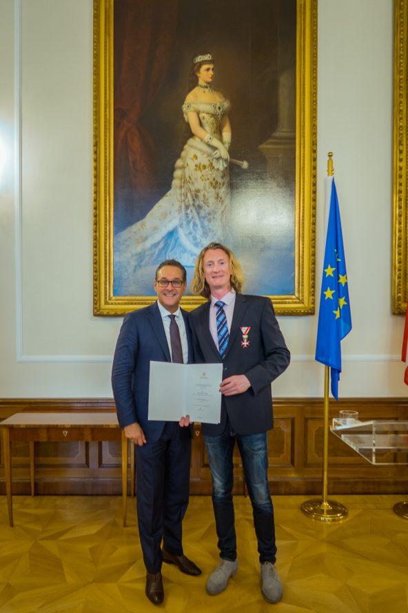 Goldenes Ehrenzeichens für Verdienste um die Republik Österreich
